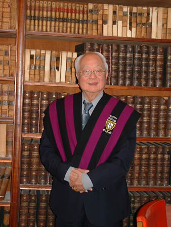 Grandmaster Yap Cheng Hai in Oxford University livery